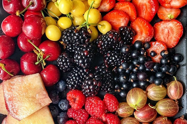 what-s-fruits-are-in-season-ice-cream-from-local-fresh-fruit